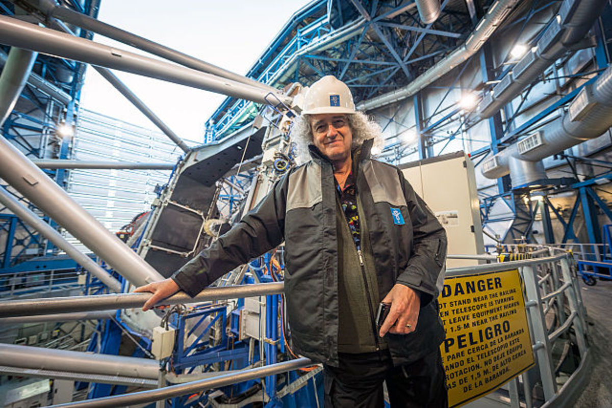 Dr. Brian May visits Paranal Observatory in Chile