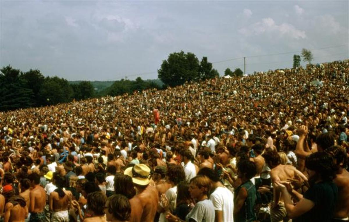 A standing ovation for Santana at the Woodstock Festival