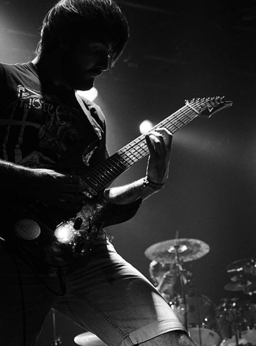 guitar-shredding-tips-and-tricks