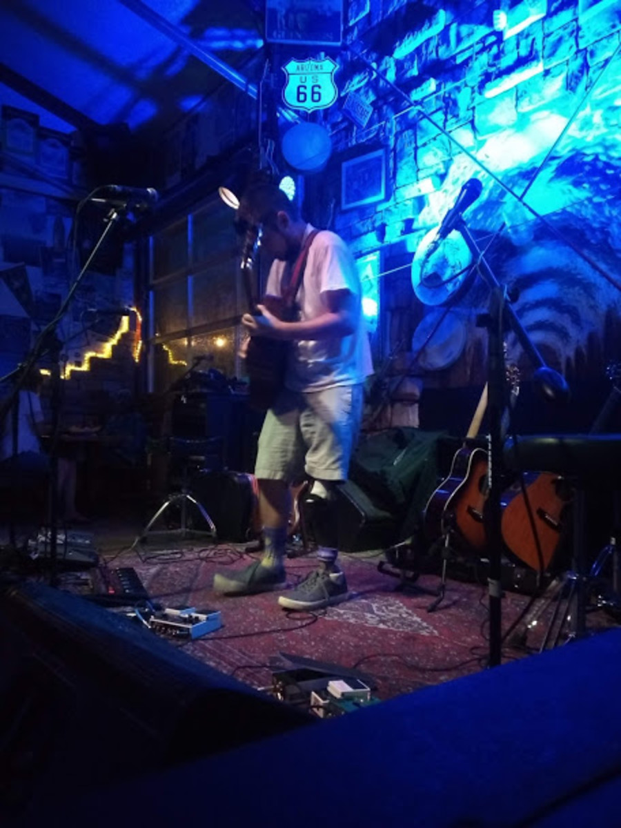 perpetual-groove-acoustic-show-at-dunedin-brewery
