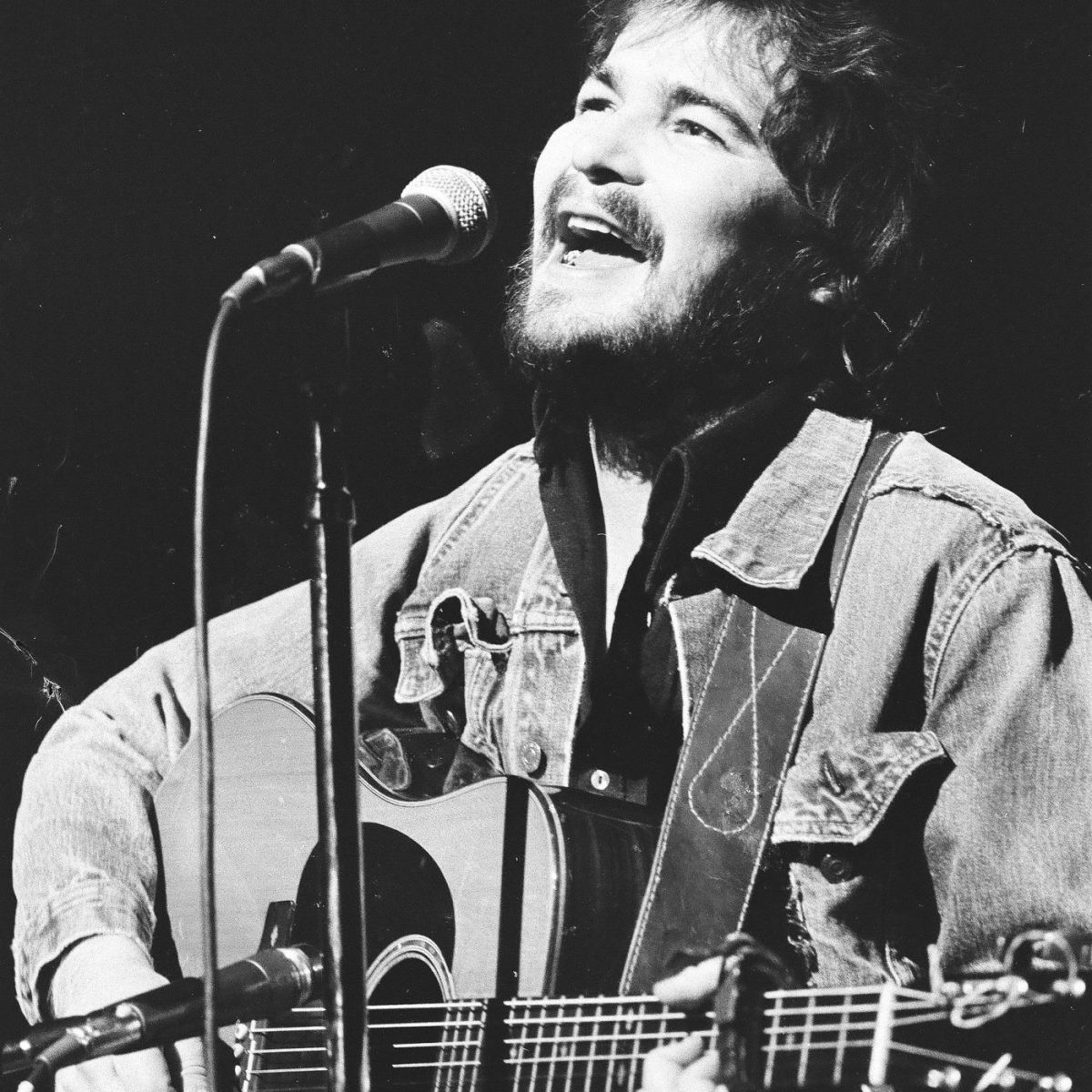 The young singing mailman John Prine