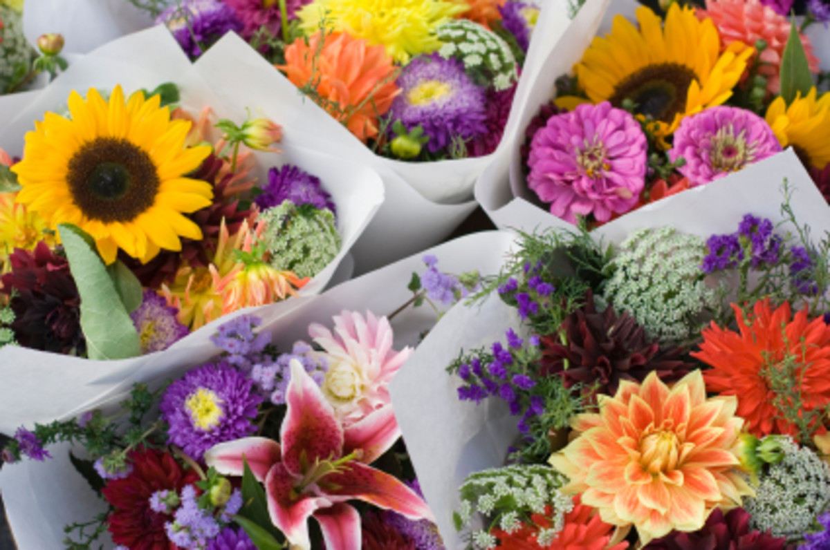 Bringing a bouquet of flowers makes a great impression on a first date.