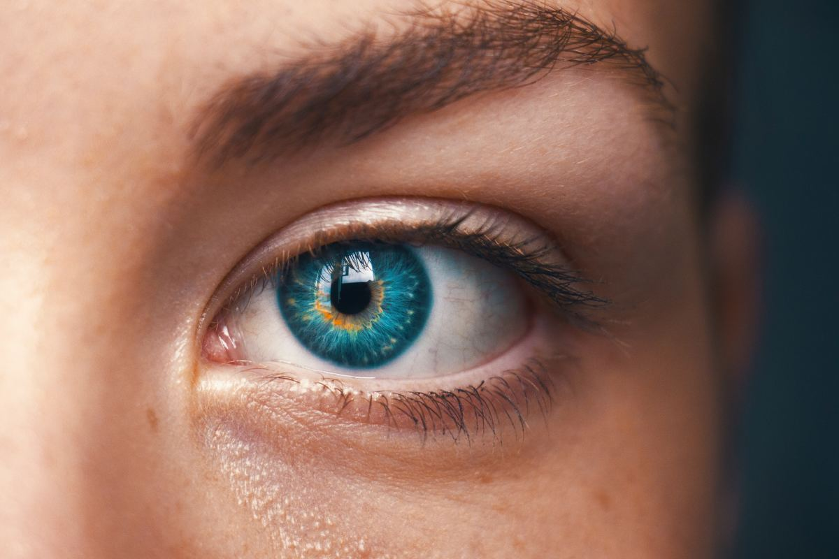 Be on the lookout for dilating pupils and extended eye contact. It could mean a girl likes you.