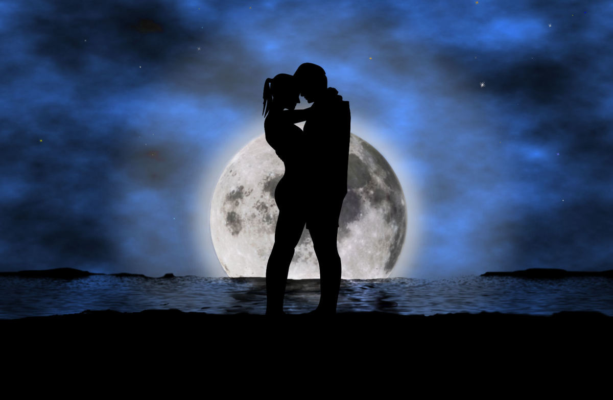 Kissing at night on a beach is never a bad idea