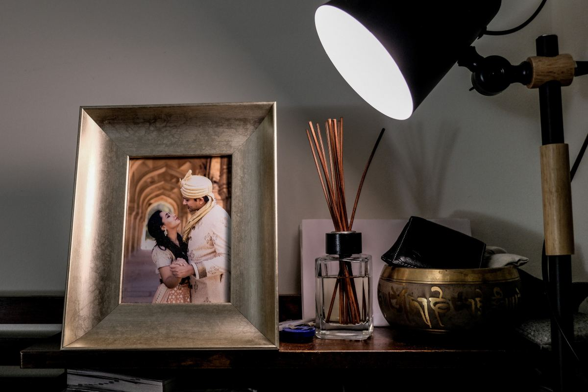 A framed photograph of the two of you makes for a great gift.