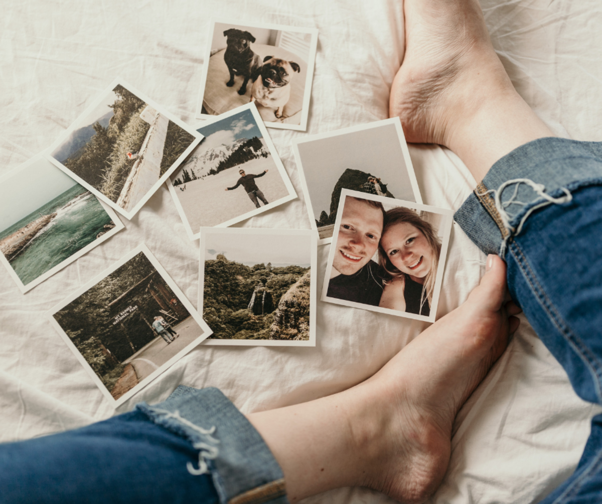 Always work to get to know your girl better—ask her about her favorite memories and share albums of old photos.