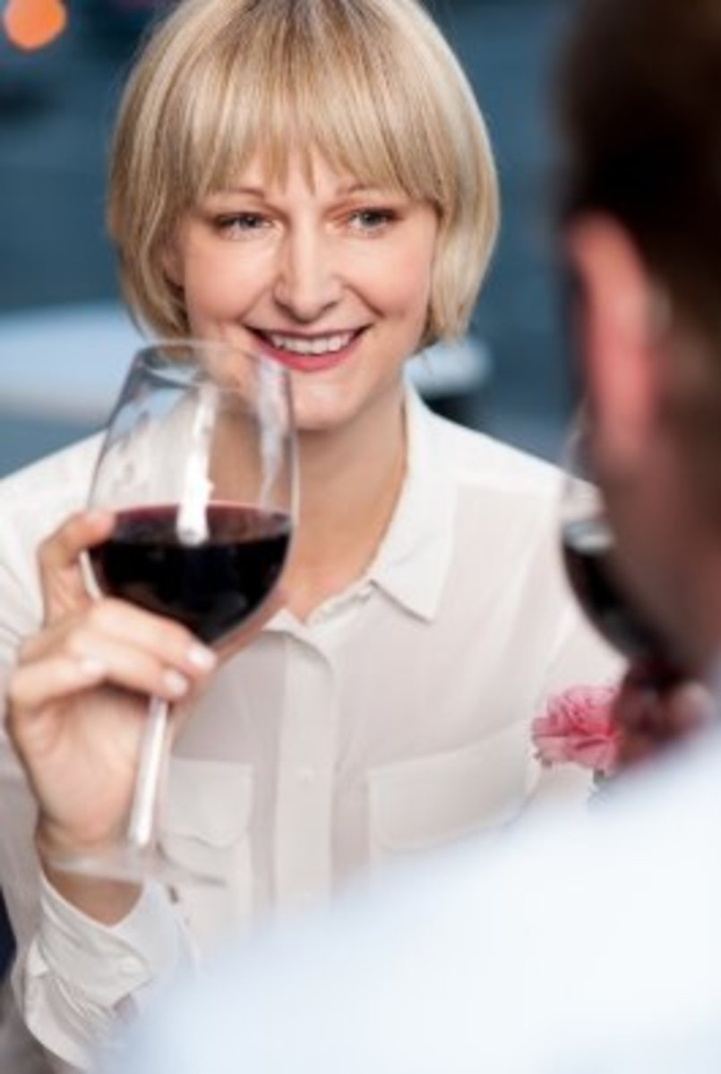Politely interrupt the host while he or she is having a conversation with someone to say thank you and goodbye.