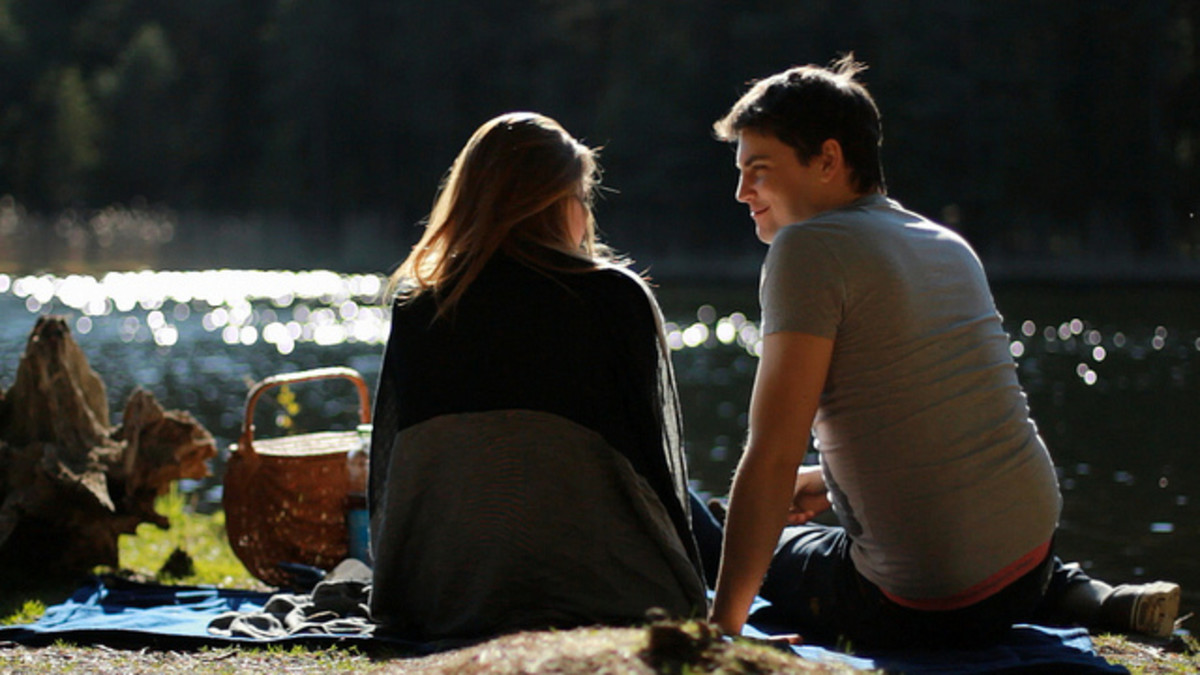 A romantic picnic by the water makes a spectacular date!