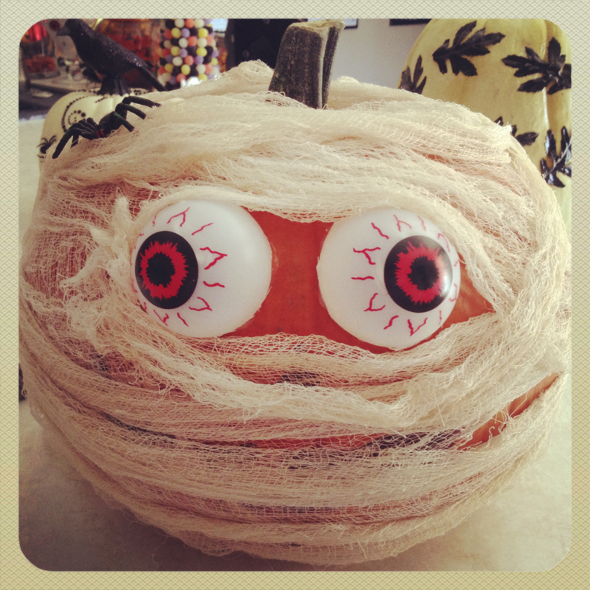 Cool Pumpkin Ideas - Pumpkin Mummy