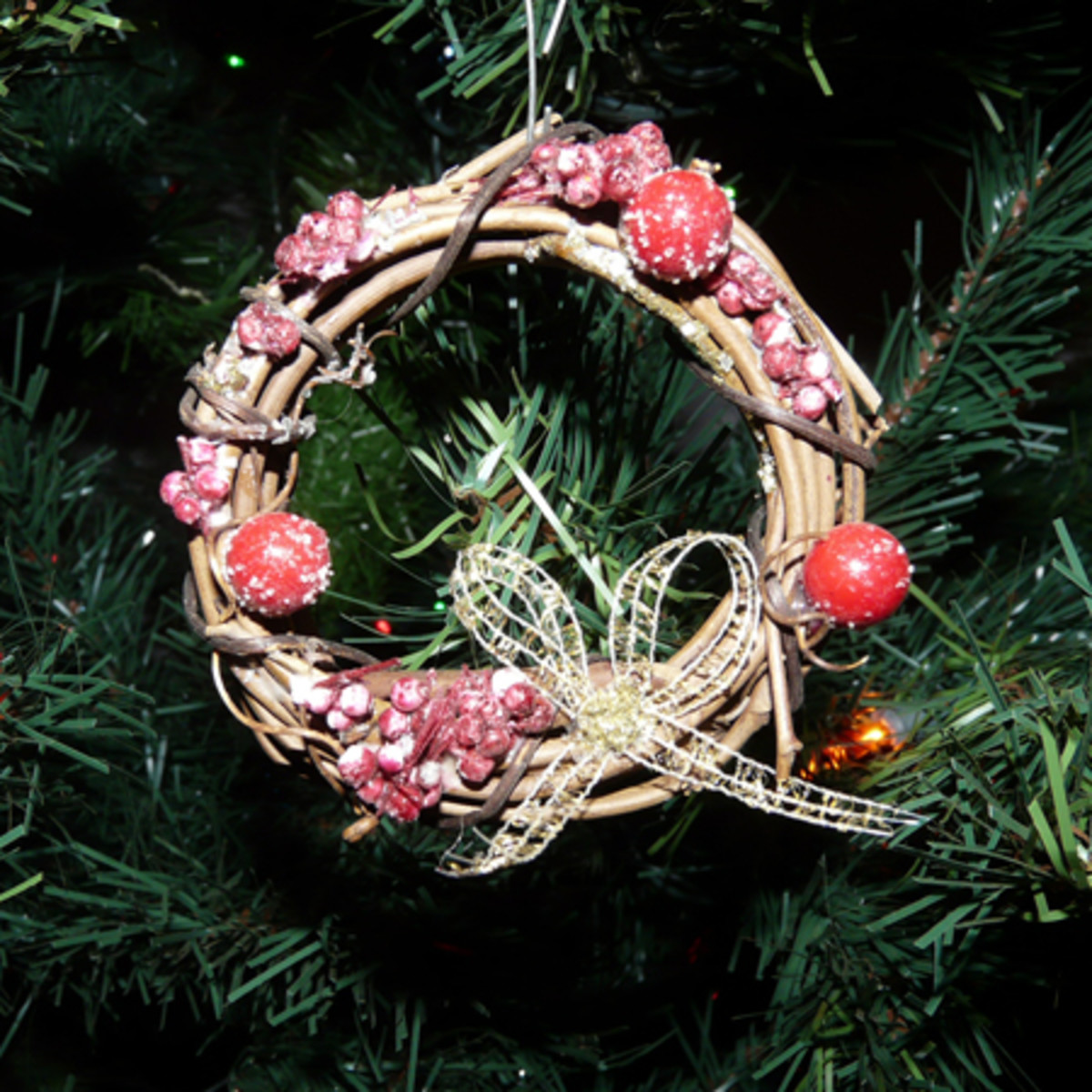 Mini Wreath Ornament with berries
