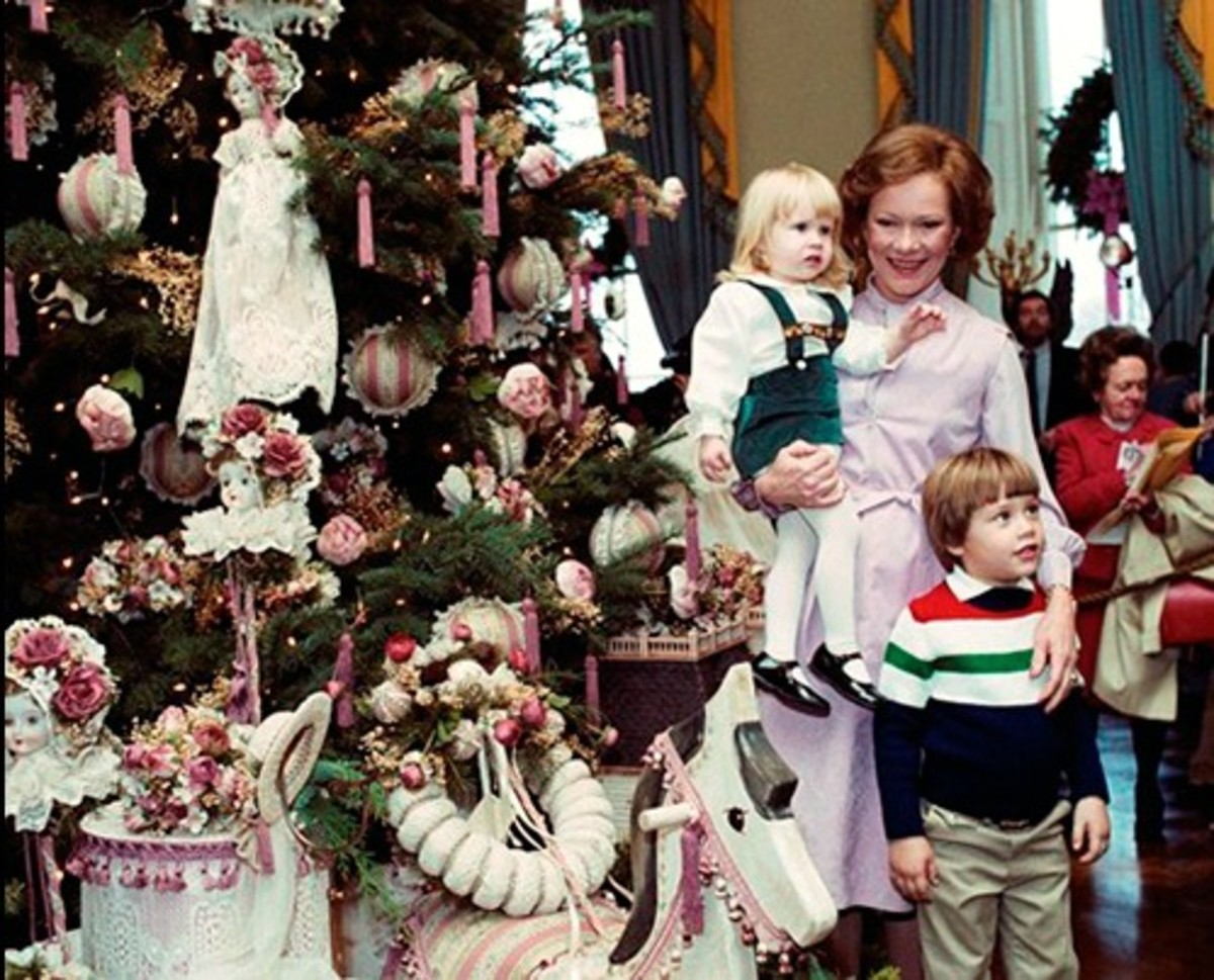 "Mrs. Carter and her 1980 theme tree, ""Old Fashion Victorian Christmas"""