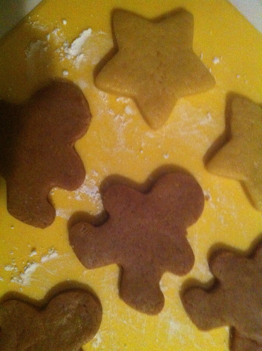 Sugar cookies I made using the cookie cutter tip above.  The brown ones were made with maple syrup and cinnamon.