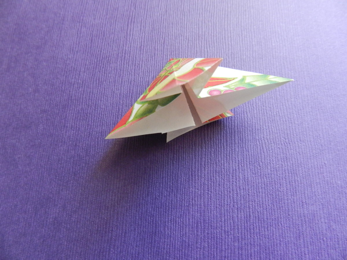 Cut the tip of the bottom kite off for a note card embellishment.