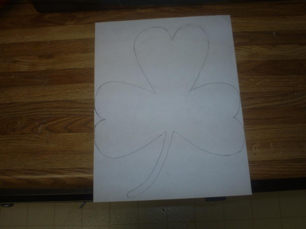 Draw the shamrock.