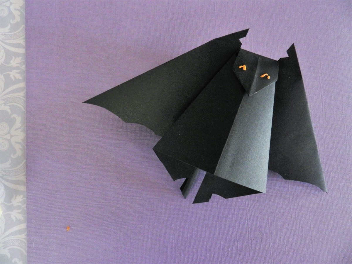 How to Fold an Easy Origami Bat | 390x520