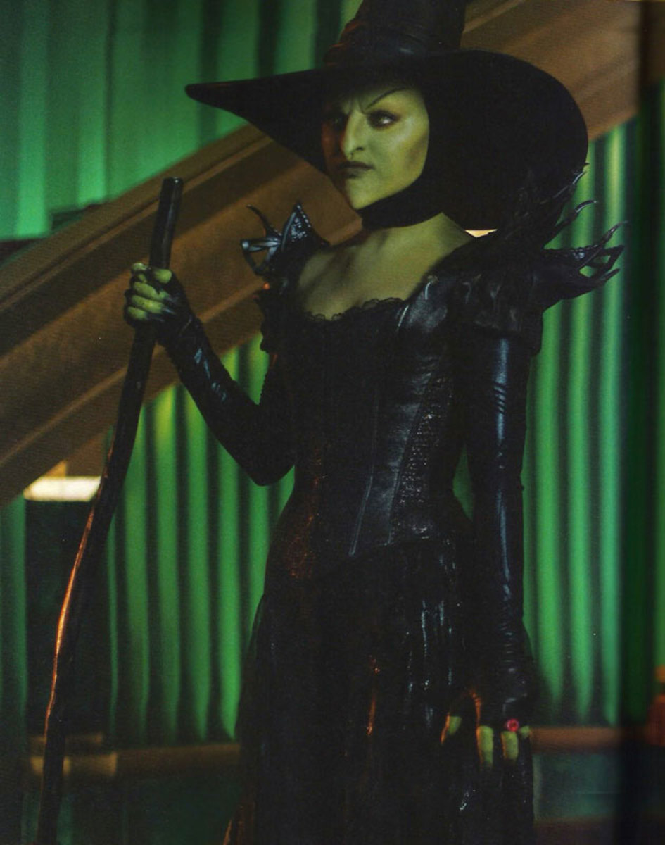 Mila Kunis as the Wicked Witch in 2013