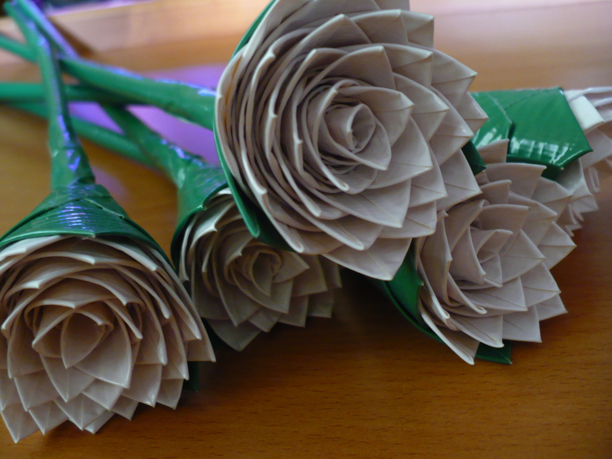 how-to-make-a-duct-tape-rose-bridal-bouquet
