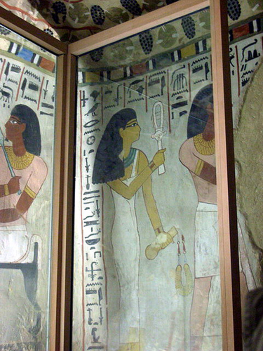 Tomb of Sennofer by kudumomo Note the eye paint, wide collars and close-fitting linen garments.