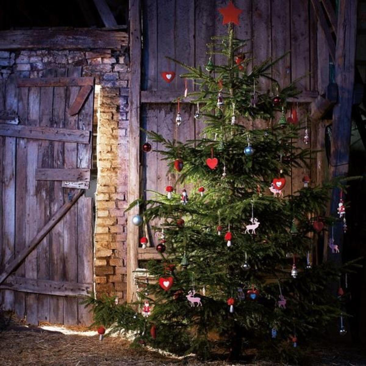 20 Stunning Christmas Tree Decorating Ideas Holidappy Celebrations