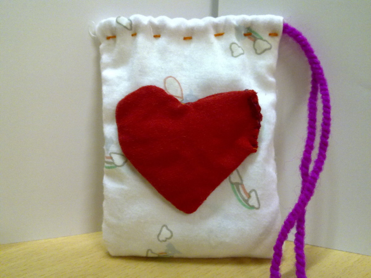 Make a Cute Heart Pouch as a handmade gift