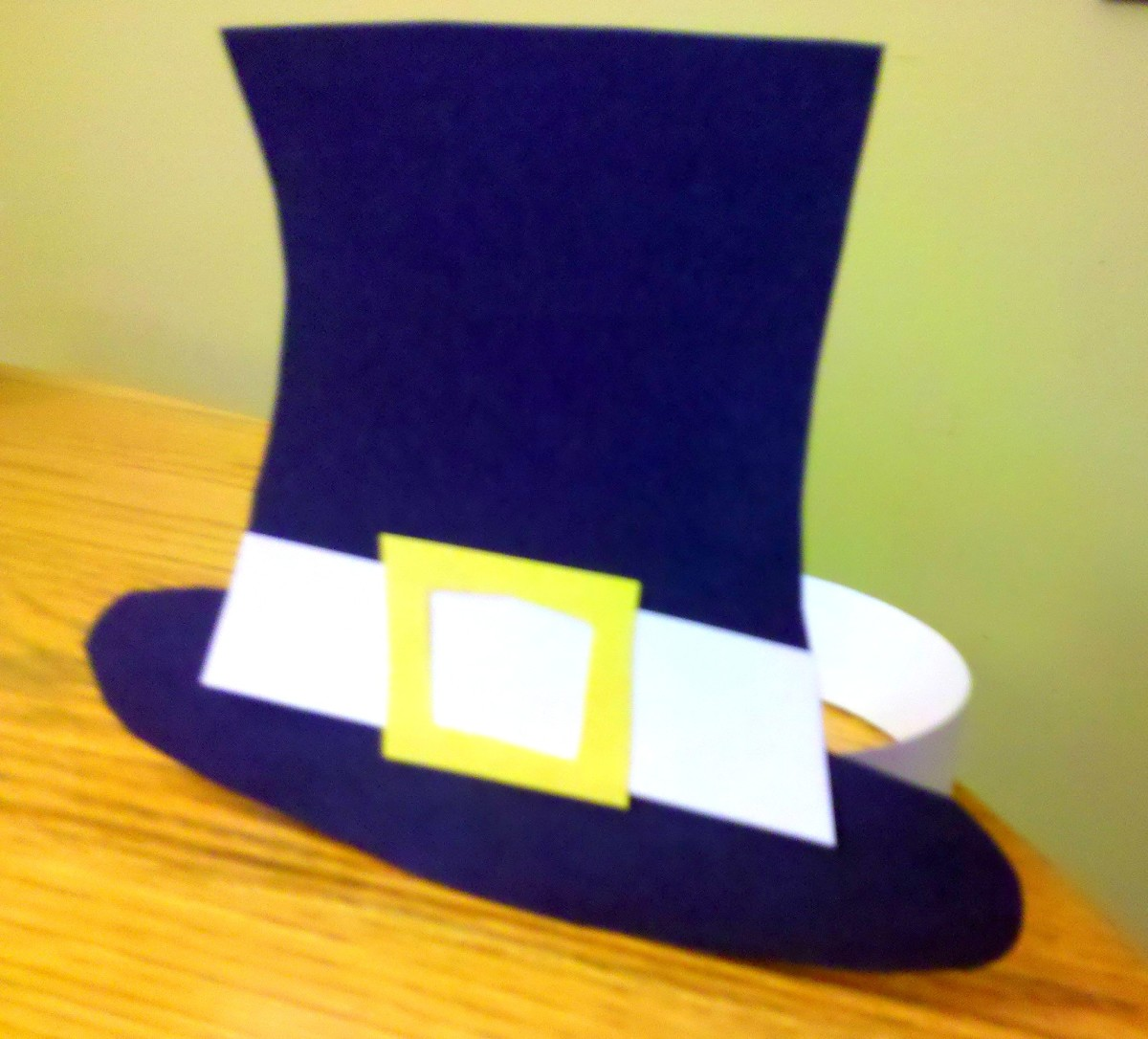 Our finished Pilgrim hat!