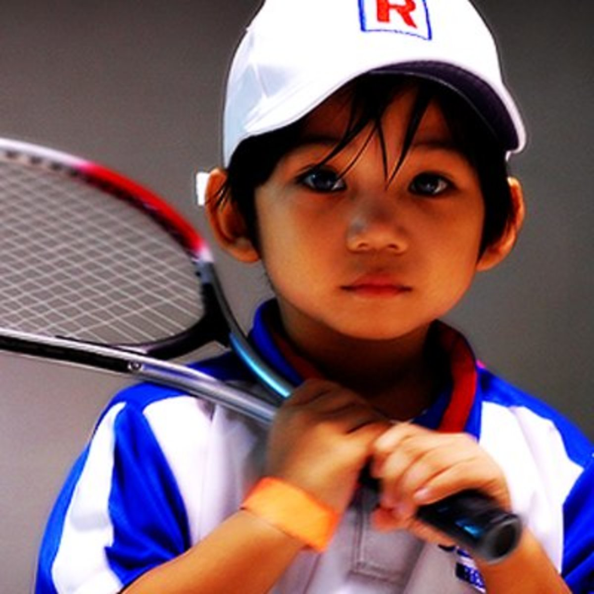 A tennis racket accessory really completes the look of this Ryoma Echizen costume.