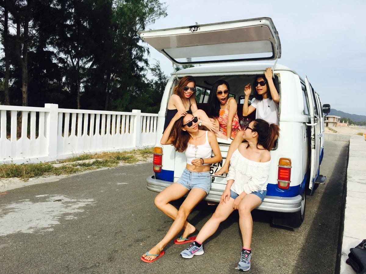 Take a roadtrip with friends!