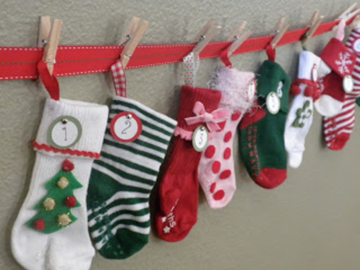Cute Baby Sock Advent Calendar you can make yourself