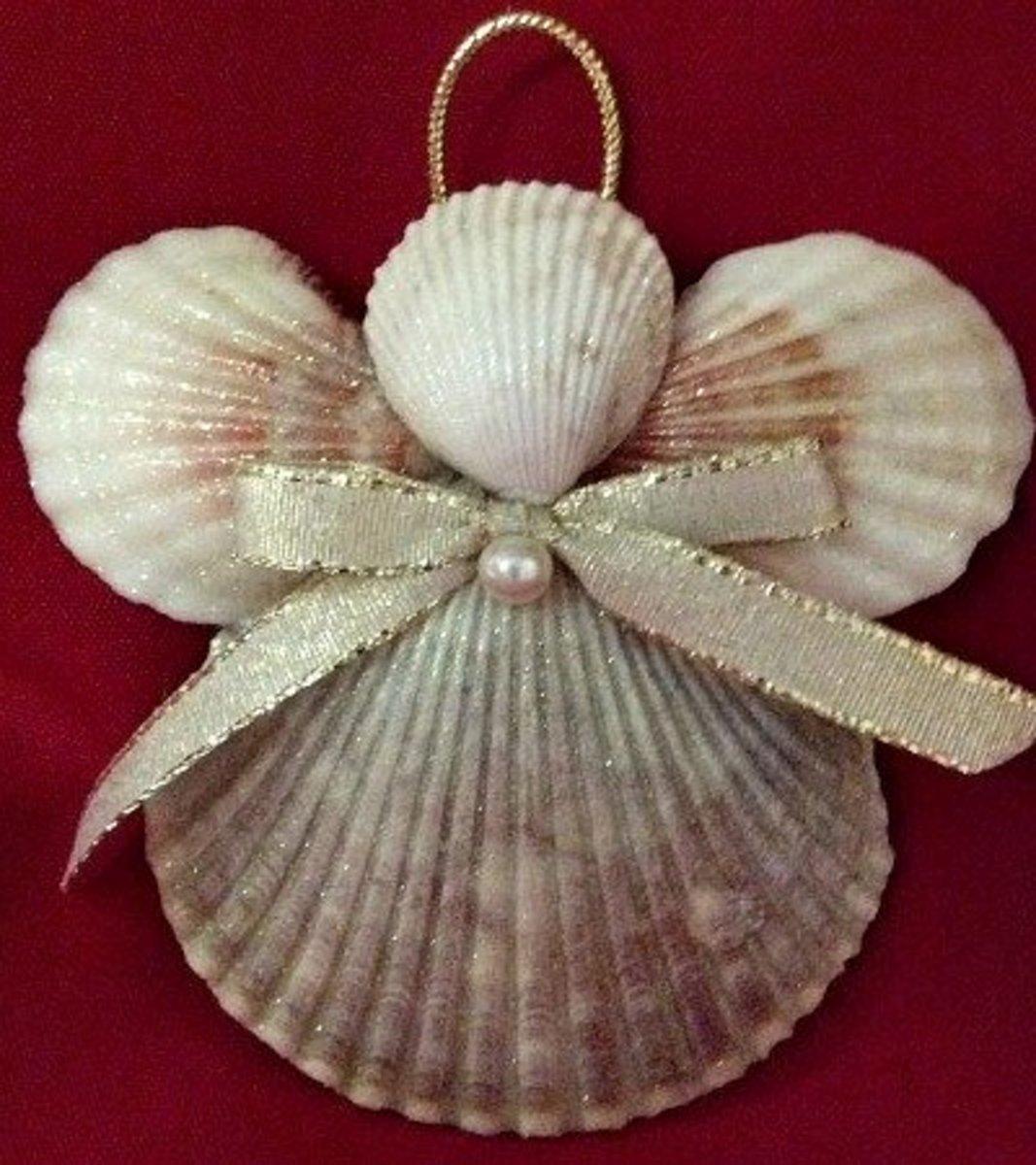 How to make seashell christmas ornaments for Seashell ornament ideas
