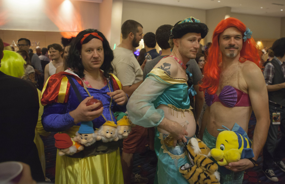 Group of guys dressed up as girls for Halloween