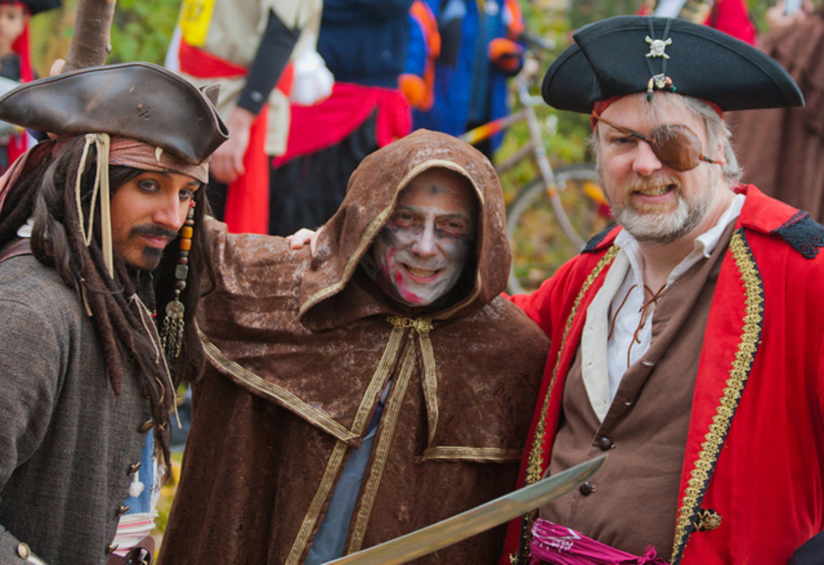 pirate group costume idea for guys