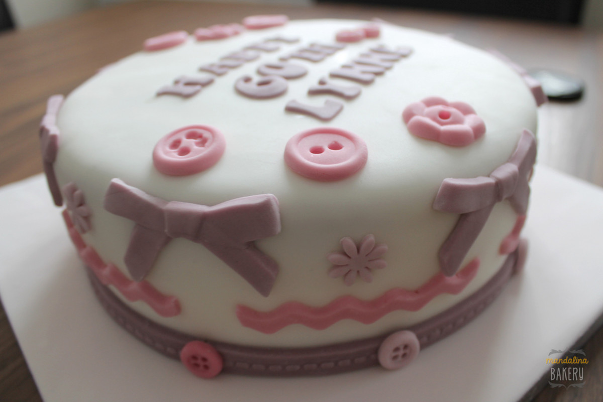 Sewing cake for a 60th birthday.