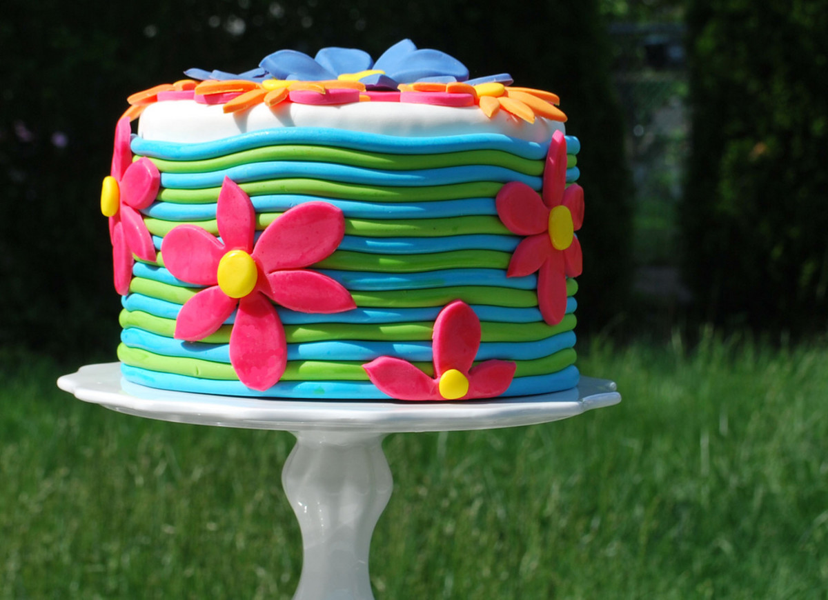 Ribbed flower cake