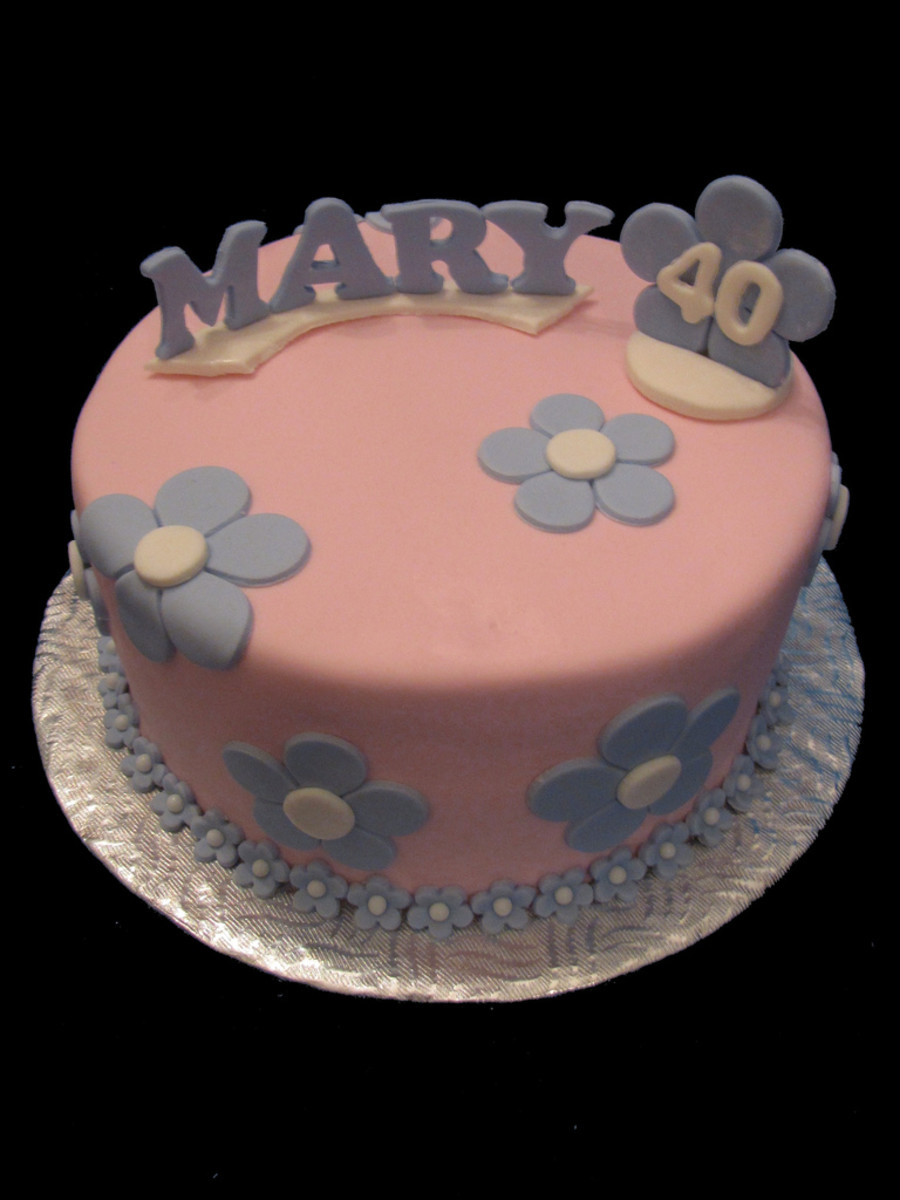 A fun flower cake for a 40-year-old.