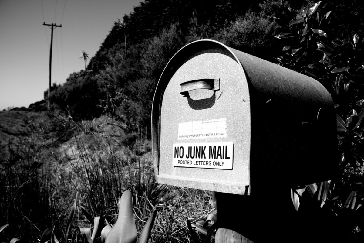 Everyone loves getting snail mail—why not send an annual update to your friends and family?