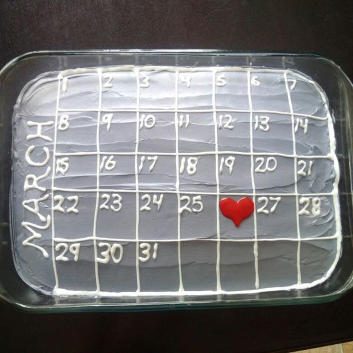 Diy anniversary gifts for him holidappy calendar cake easy diy anniversary gift ideas for him solutioingenieria Image collections