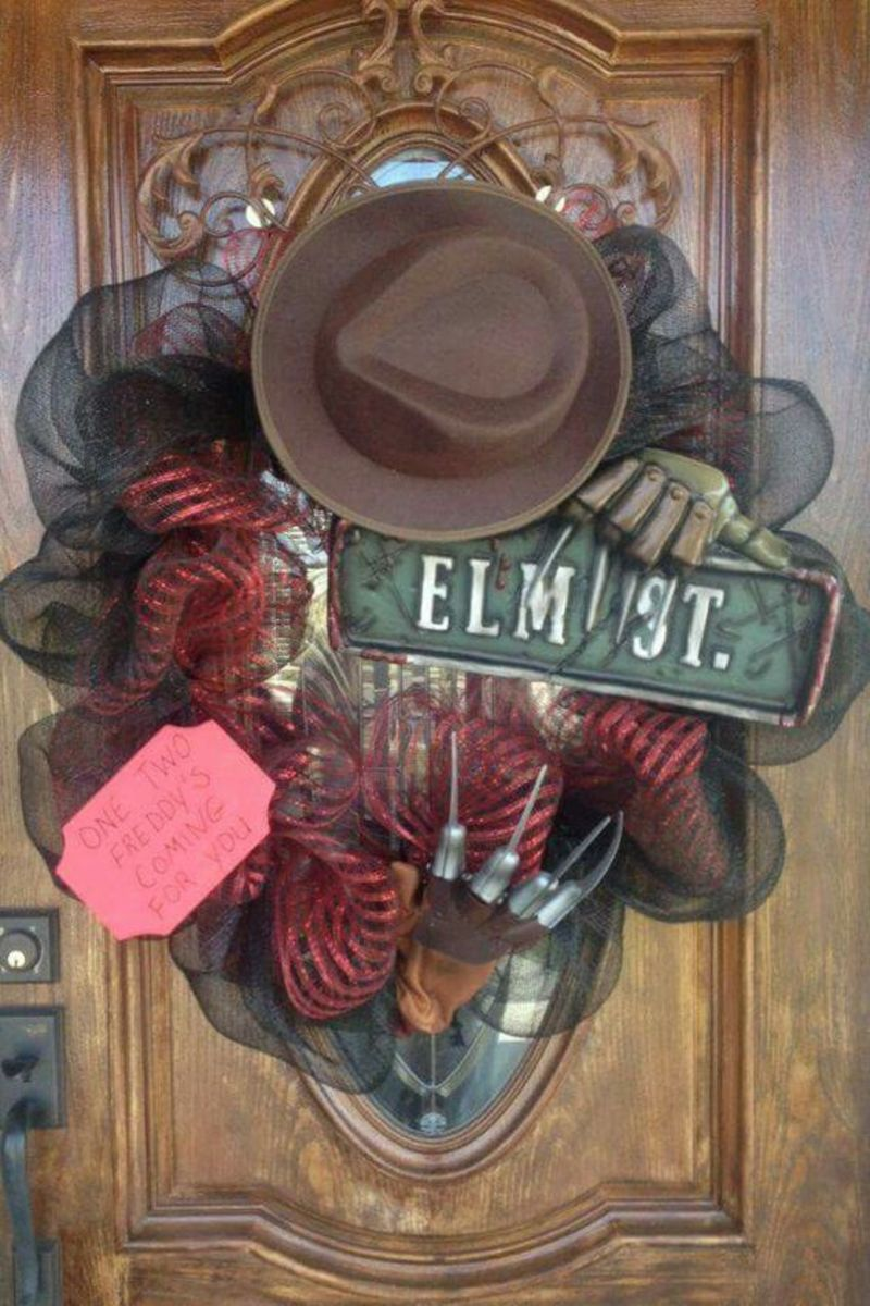 A Nightmare on Elm Street-inspired wreath