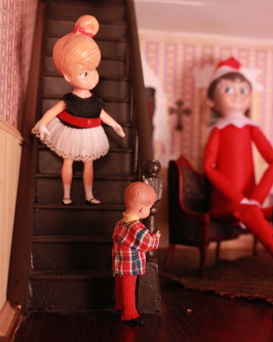 The Elf arrives in the home; the children are apprehensive.
