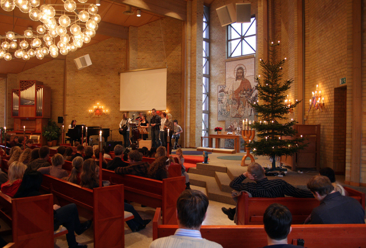 There's nothing like a worship service at Christmas!