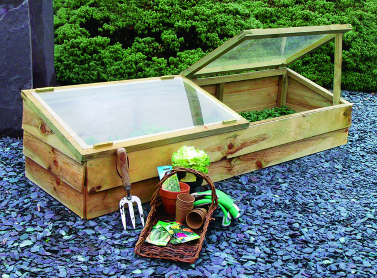 Mini greenhouses or cold frames make great gifts for gardeners who want to continue their hobby, even throughout the off-season.