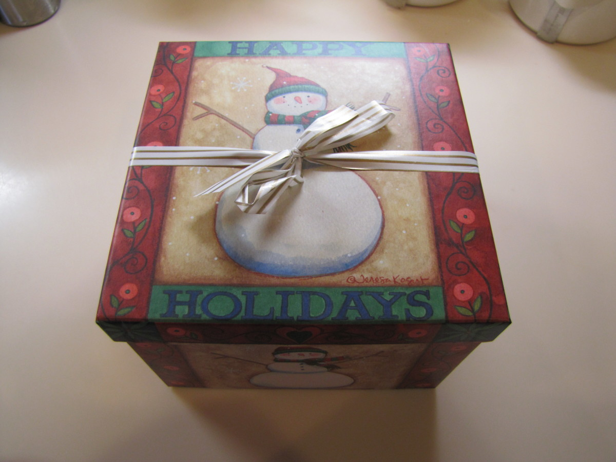 Place your food gift for the office in a decorated container. This one needs no additional wrapping, so I just tied it with a ribbon.