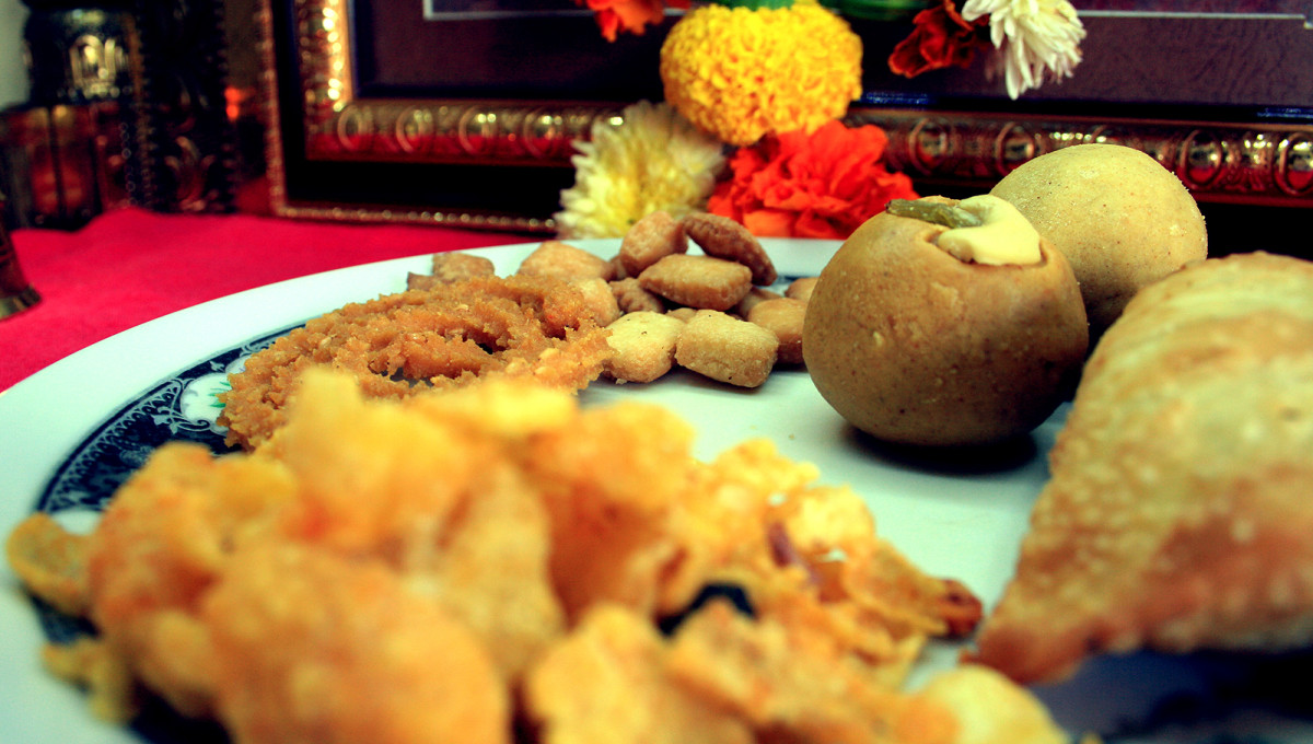Besan Ladoo are healthy sweets made from chick peas, nuts, clarified butter, and other ingredients.