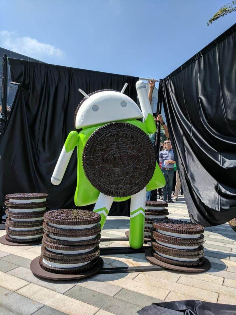 Android Oreo lawn statue, just before debut on Google campus