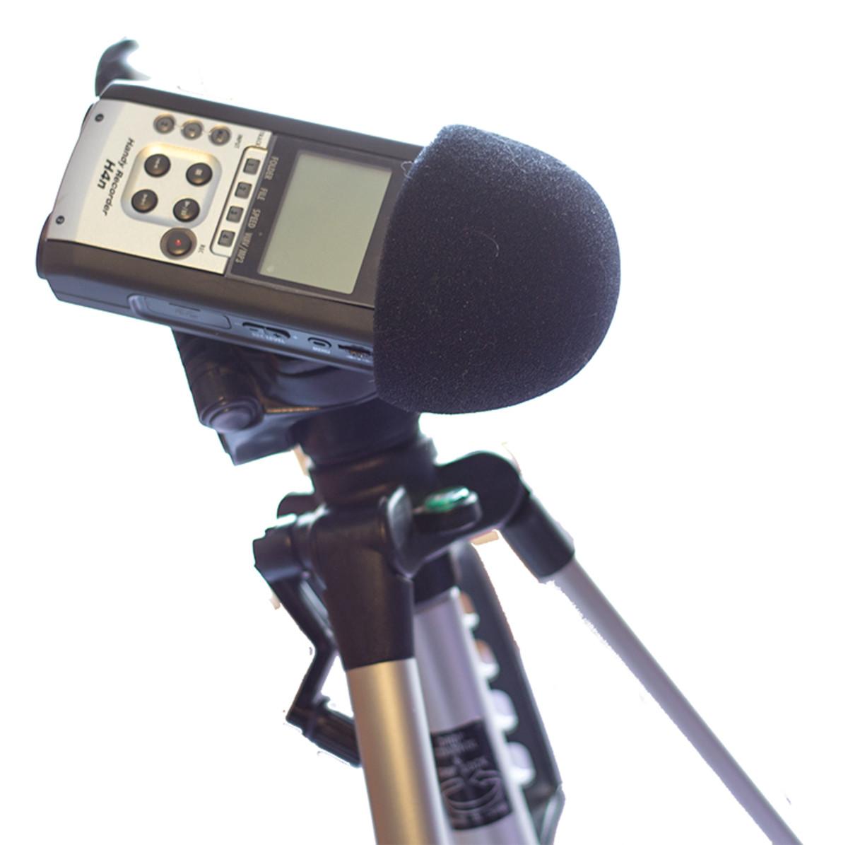 Zoom H4n with windscreen on tripod.