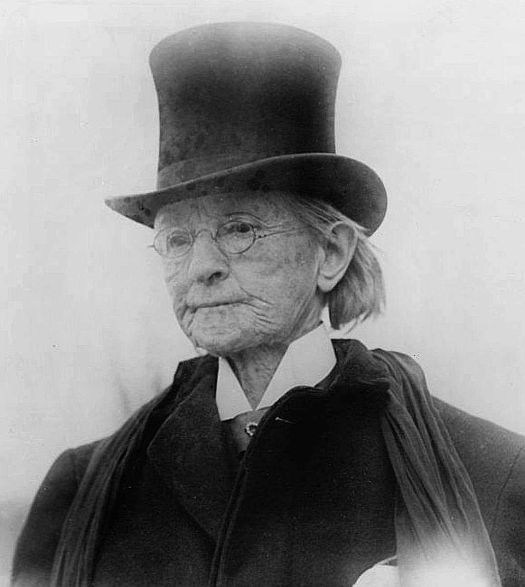 Mary Walker wearing men's style clothing