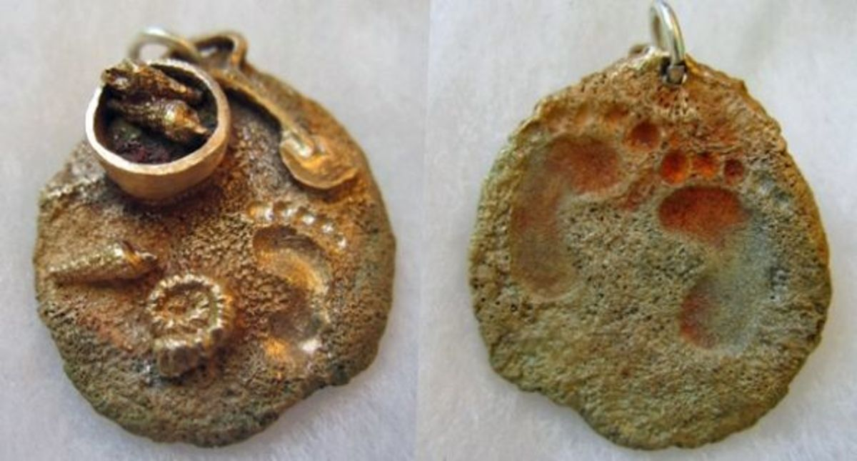 Bronze beach scene charm with heat patina - front and back