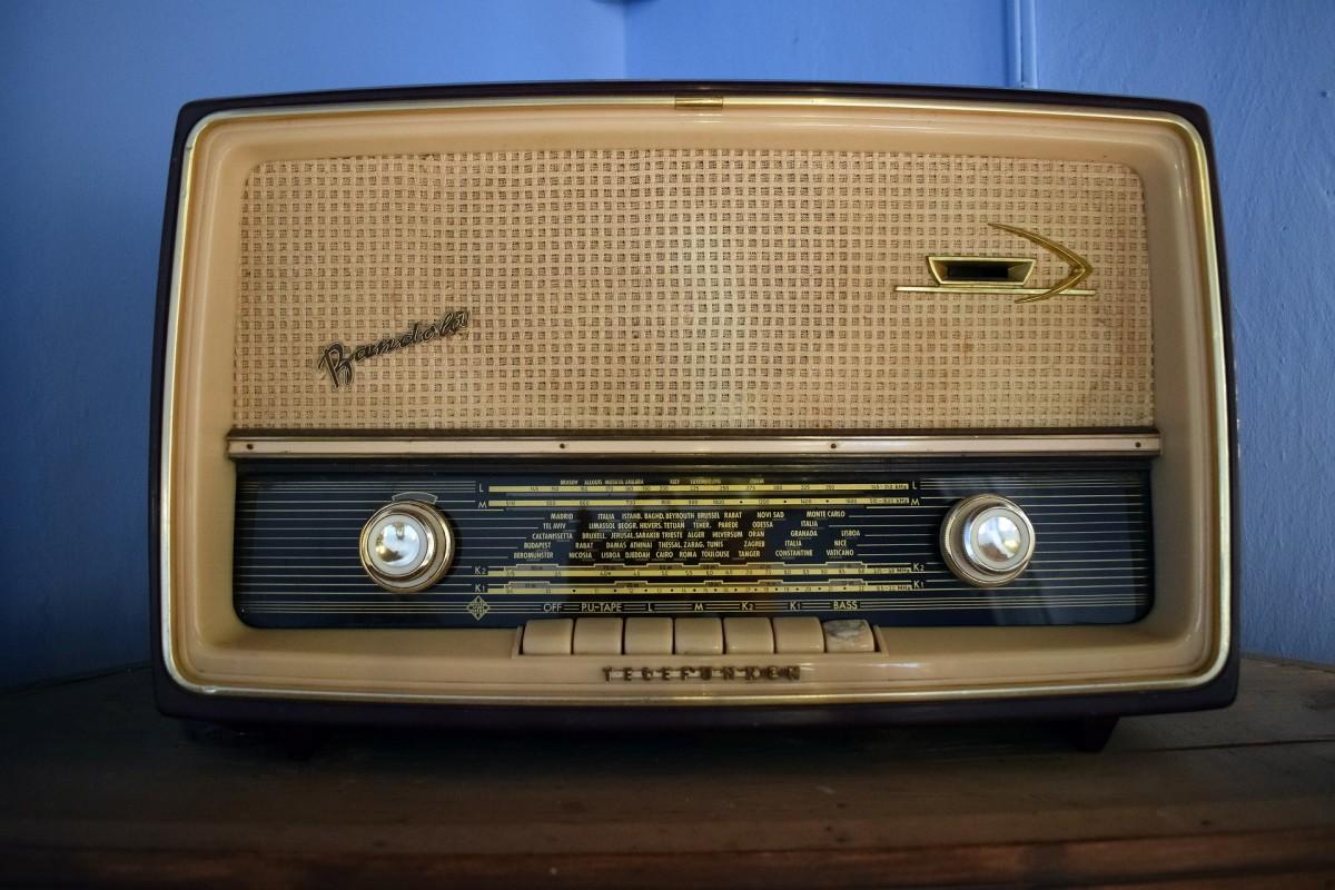 1950s-Style Radio
