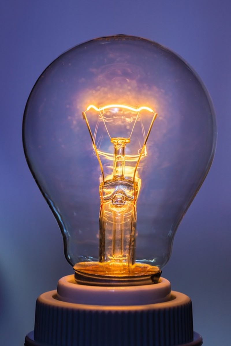 Tungsten bulb filament with shiny burn