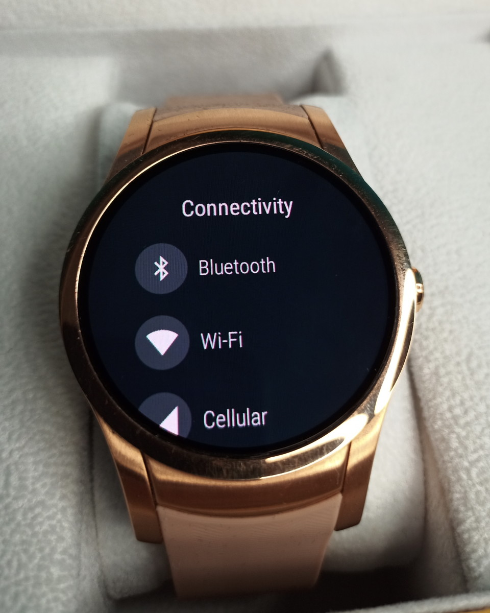 One of the 'settings' menus of Wear24 smartwatch.