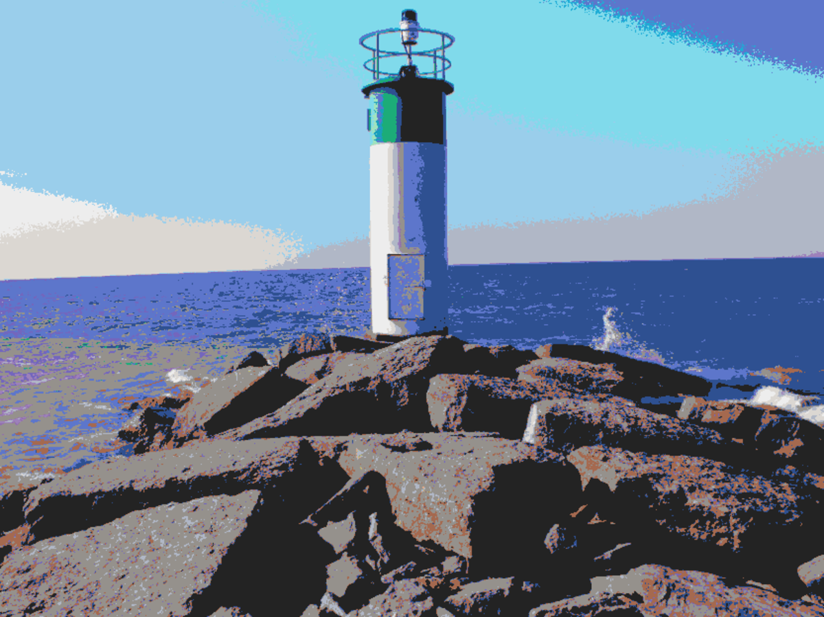 Lighthouse photo to drawing using crayon colors.